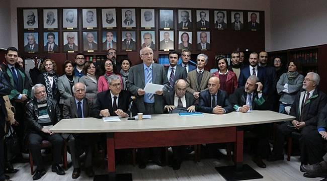 Avukatlar İzmir Barosu'nu Olağanüstü Toplanmaya Çağırdı