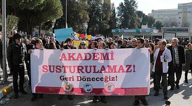 Ege Üniversitesinde KHK Protestosu: 'Akademi Susturulamaz!'