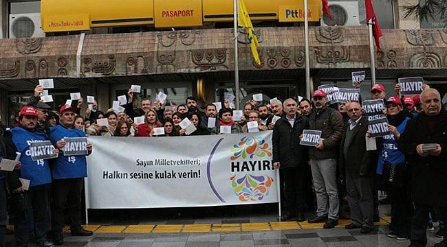 İzmir'den Milletvekillerine 'Hayır' Kartı