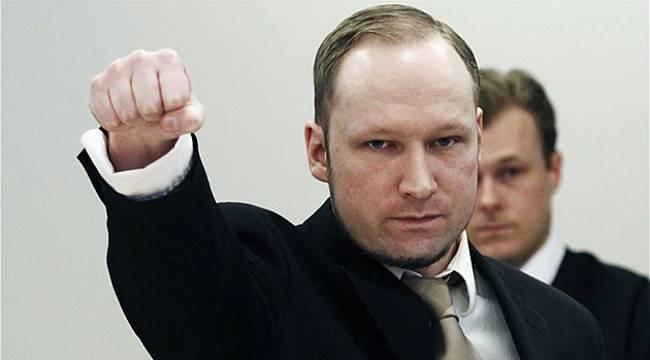 Norveç'in Davası Başladı, Irkçı Breivik Nazi Selamı Verdi