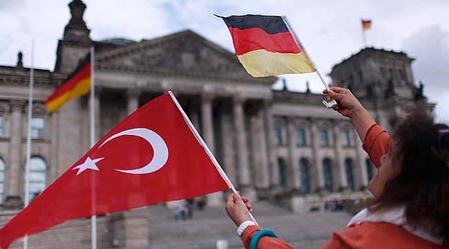 Alman Makamlarından MİT'in Verdiği Listedeki Türklere Uyarı