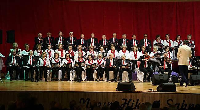 Beyaz Saçlılardan Kıskandıran Konser
