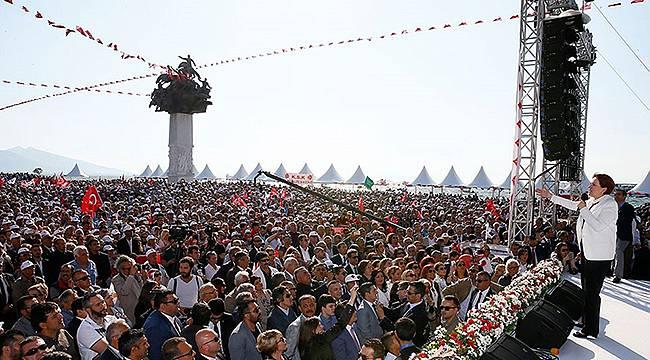 İzmir Akşener'i Bekliyor