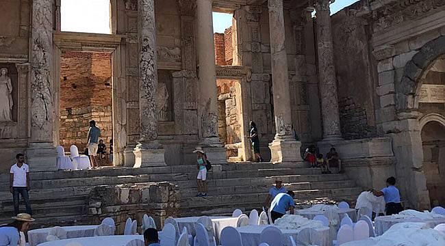 Sosyal Medya Efes Antik Kenti'nde Yapılan Düğünleri Konuşuyor