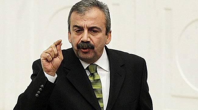 Sırrı Süreyya Önder: Sahi Davutoğlu nerede?