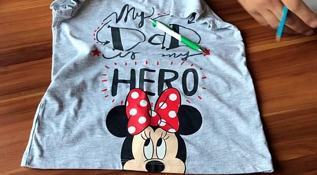 'My Dad My Hero' Yazılı Tişört Giyen Çocuk Annesiyle Bir Gözaltına Alındı!