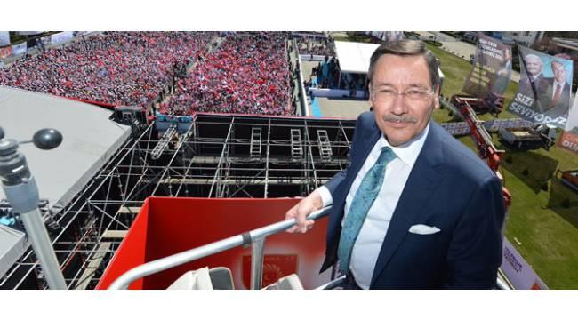 MHP ve CHP'den Melih Gökçek'e sürpriz destek