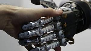 Robotlar en az 5 milyon kişiyi işsiz bırakabilir!
