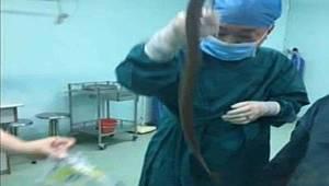 Karın ağrısı şikayetiyle hastaneye gitti...