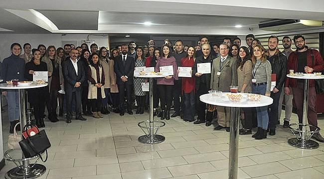 İzmir Barosu Akademi Gibi Çalışıyor