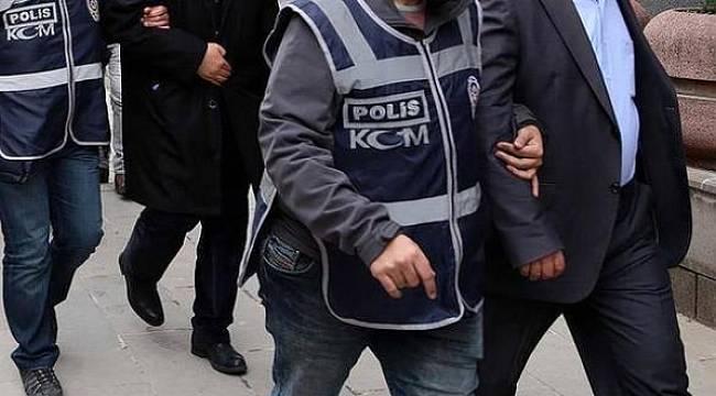 İzmir merkezli FETÖ operasyonu: 22 gözaltı
