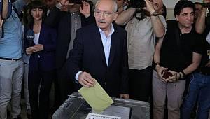 CHP lideri Kılıçdaroğlu, Ankara'da oyunu kullandı