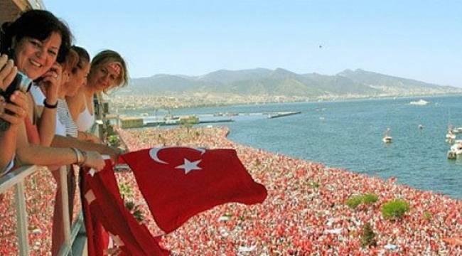 Muharrem İnce'yi İzmir'de yüz binler karşıladı
