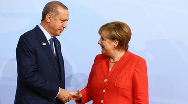 Spiegel'e konuşan AK Partili yetkili: Erdoğan, IMF'dense ulusal bir iflası kabul etmeyi tercih eder