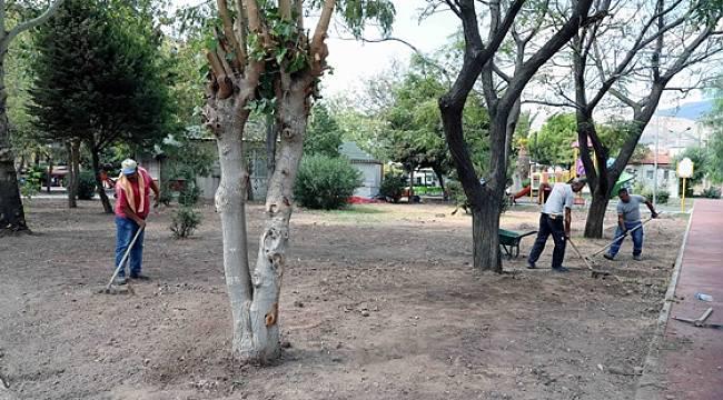 Bayraklı'nın parklarına akıllı sulama sistemi