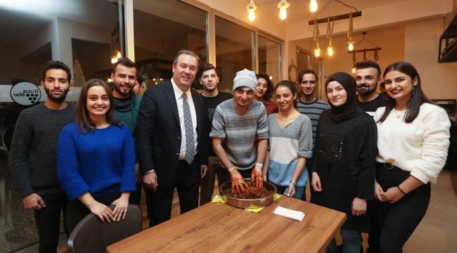 Başkan Piriştina gençlerle buluştu