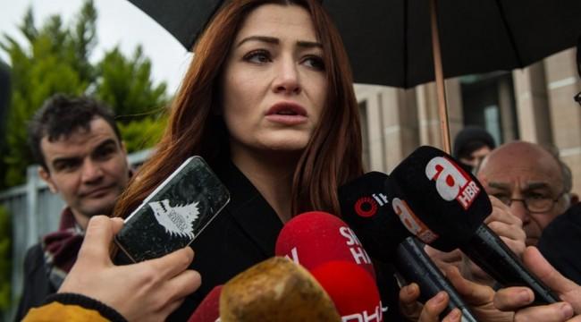 Deniz Çakır: Bir sanatçı bir kadını 'başörtülü, başörtüsüz' diye ayırmaz