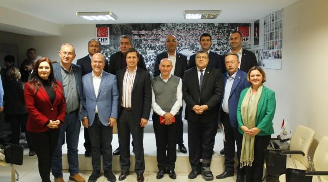 CHP'de milletvekilleriyle yerel seçim zirvesi
