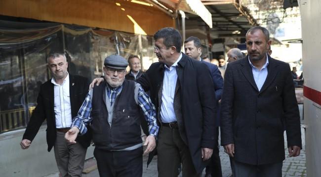 Zeybekci: İzmir, Türk halıcılığının merkezi olacak