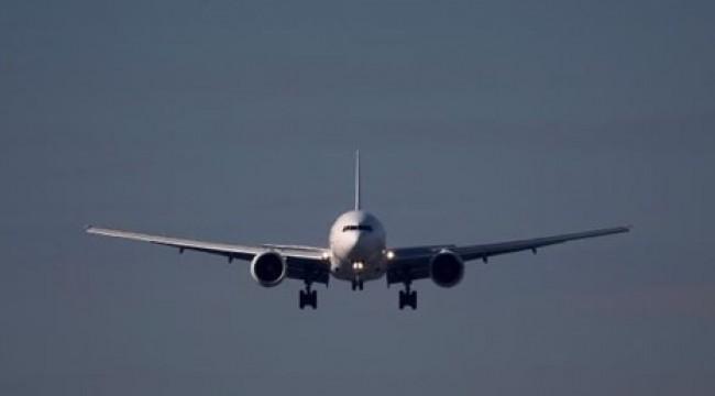 Sivasspor'u İstanbul'a götürecek uçağa yıldırım isabet etti