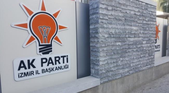 AK Parti İzmir İl Yönetimi de istifa ettirildi