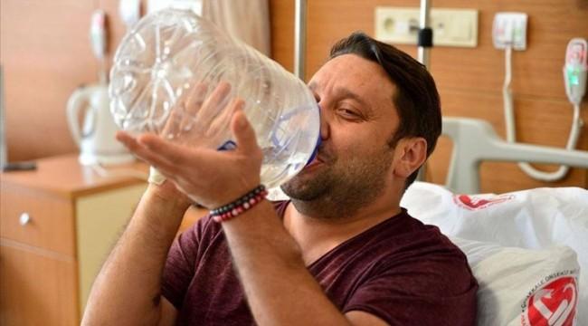 Böbrek naklinden sonra kana kana su içti