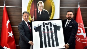Bornova Belediye Başkanı İduğ'u ziyaret eden Altay Başkanı Ekmekçioğlu: Altyapımızı Bornova'ya taşımak istiyoruz