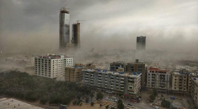 Pakistan'da fırtına: 3 ölü, 35 yaralı