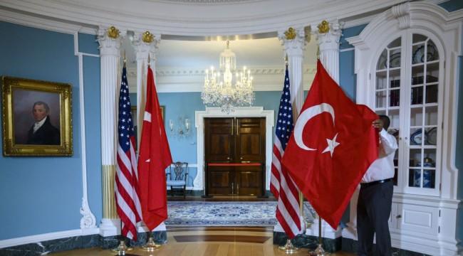 Rus uzman: Türkiye, ağabeyi gibi görmediği ABD'ye karşı gelmekten korkmuyor
