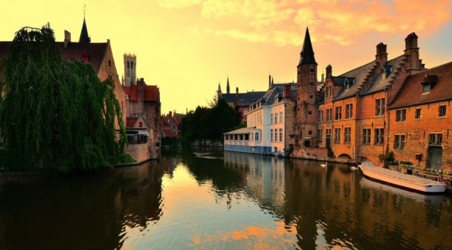 Bruges de turist akınına isyan etti: Disneyland'e dönüşmek istemiyoruz
