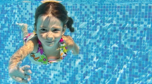 Havuz suyu göz enfeksiyonu sebebi