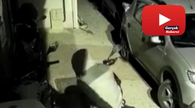 Saniyeler içerisinde motosiklet çalan hırsızlar kamerada
