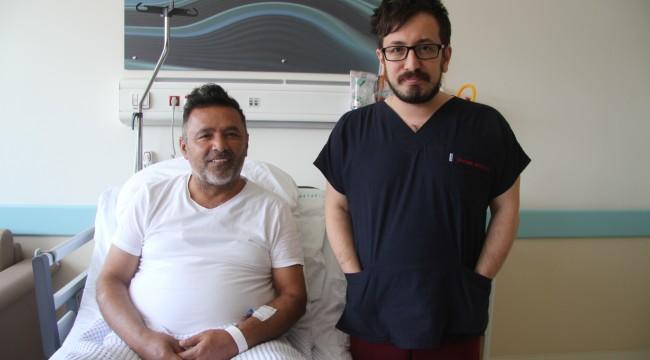 """Doktorun """"Benimle kal"""" dediği kalbi duran hasta 10 dakikada hayata döndürüldü"""