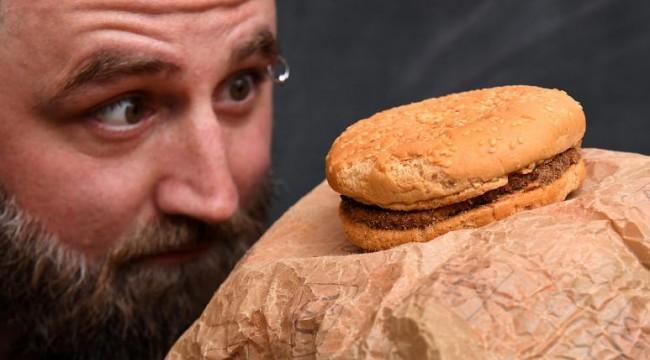 Avustralya'da McDonald's hamburgeri 24 yıl boyunca bozulmadan kaldı iddiası