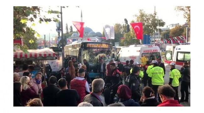 Beşiktaş'ta otobüs durağa daldı: En az 9 yaralı
