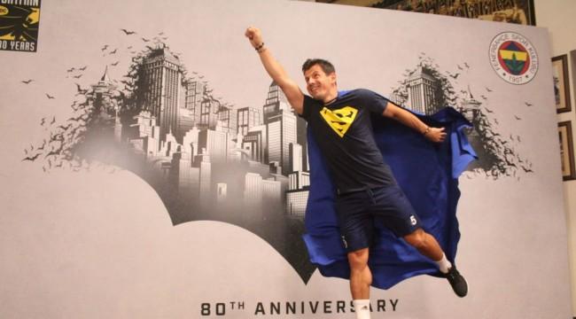 Fenerbahçe Warner Bros. koleksiyonunu tanıttı: 'Süper kahramanlar sahaya iniyor'