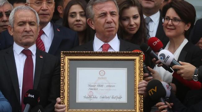 Mansur Yavaş 200 gününü kitapçıkla anlattı: Bütçe 387 milyon lira fazla verdi, 305 milyon liralık borç ödendi
