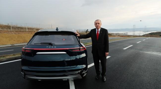 Erdoğan yerli otomobilin sürücü koltuğuna geçti