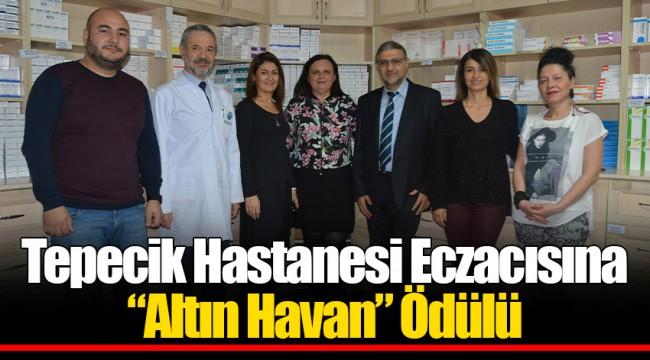 """Tepecik Hastanesi Eczacısına """"Altın Havan"""" Ödülü"""