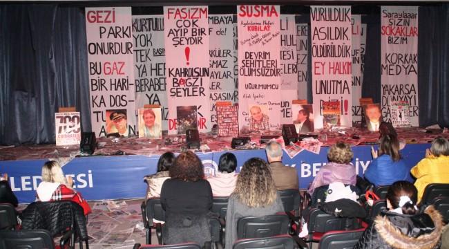 Demokrasi Şehitleri Efes Selçuk'ta Sergi ve Tiyatro ile Anıldı