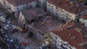 Elazığ depreminde hayatını kaybedenlerin sayısı 35'e yükseldi
