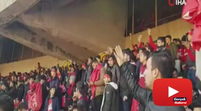 İran Türklerinin takımı 'Tractor'den Türkiye'ye deprem desteği