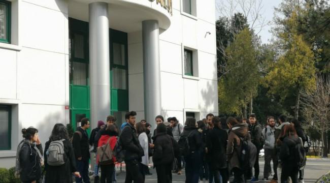 Öğrenciler kararlı: Bedri Gencer'in üniversiteden kovulması için dilekçe verdiler
