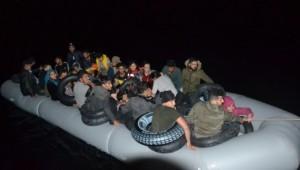 Yunanistan'a geçmeye çalışan göçmenlere ekipler müdahale etmedi!