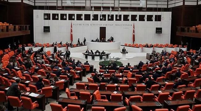 AK Partili vekil isyan etti: Vatandaş geliyor, yanak değdirmeler, öpüşmeler…