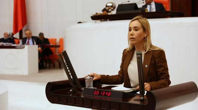 İYİ Parti'den istifa eden Tuba Vural Çokal, AK Parti'ye geçti