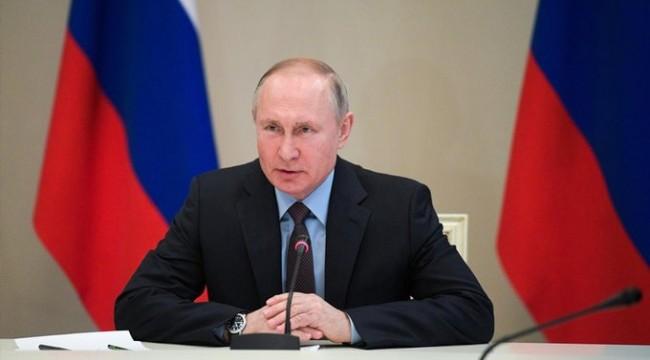 Putin koronavirüsle mücadele kapsamında gelecek haftayı 'ücretli tatil' ilan etti