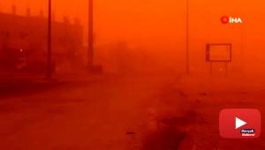 Suudi Arabistan'da toz fırtınası gökyüzünün rengi turuncuya çevirdi
