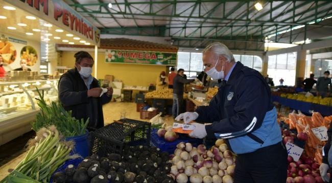 Çiğli pazar yerlerinde sıkı tedbirler