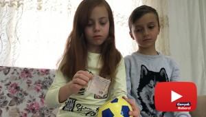 İkiz kardeşler, tablet almak için topladıkları paraları 'Biz Bize Yeteriz' kampanyasına bağışladı
